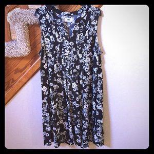 Old Navy black & white floral swing dress
